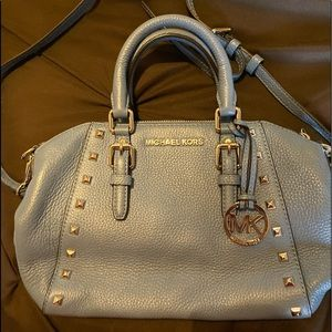 AUTHENTIC MICHEAL KORS PURSE LIGHT BLUE WITH STUDS